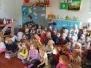 Uczniowie z SP 5 czytają Czerwonego Kapturka